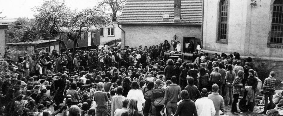 Rebellion im Plattenbau - Die Offene Arbeit in Halle-Neustadt 77-83
