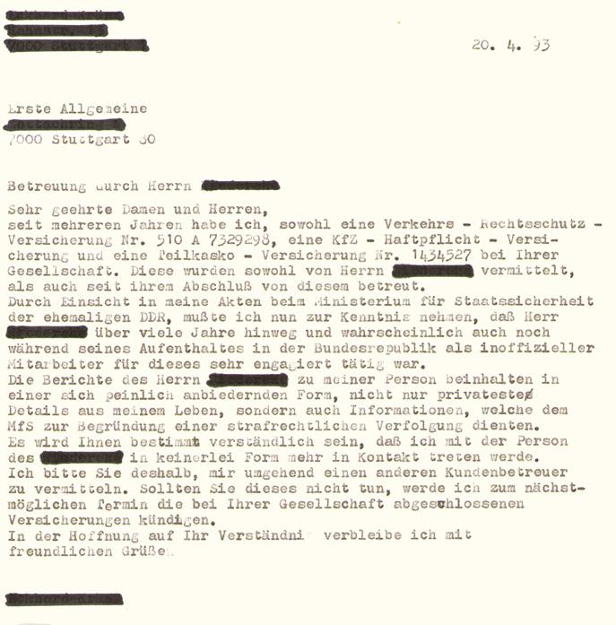 Mit der Wiedervereinigung kommt die Möglichkeit zur Einsichtnahme in die eigenen Stasi-Akten. Eine gesellschaftliche Hypothek: Wer seine ausspionierte Vergangenheit in Augenschein nimmt, erfährt oftmals, dass er oder sie von vertrauten Menschen verraten wurde. Kirche und OA waren massiv von der Staatssicherheit unterwandert. Nach 1989 erschließt sich das Ausmaß der Bespitzelung. In der Folge kollabieren Beziehungen im Nahfeld.  Täuschung und Enttäuschung (Versicherungsanschreiben/ Privatbesitz: Eckard Kränz).